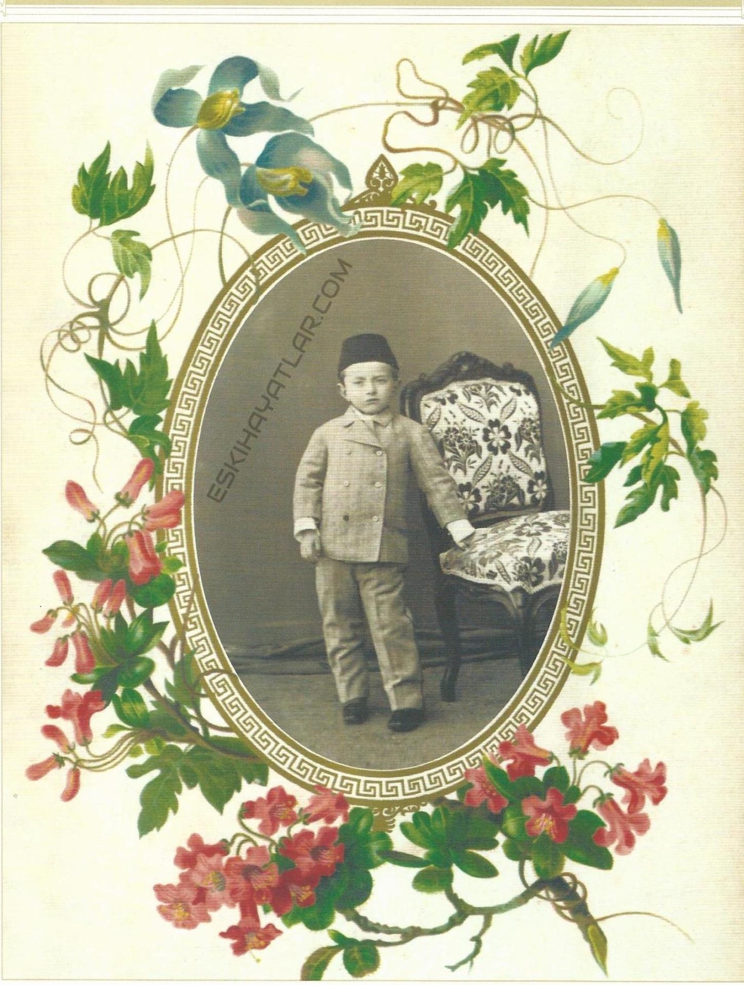 sultan-abdulhamid-in-aile-albumleri-abdullah-biraderler-fotograflari-yildiz-sarayinda-cekilen-resimler-mahmud-sevket-efendi