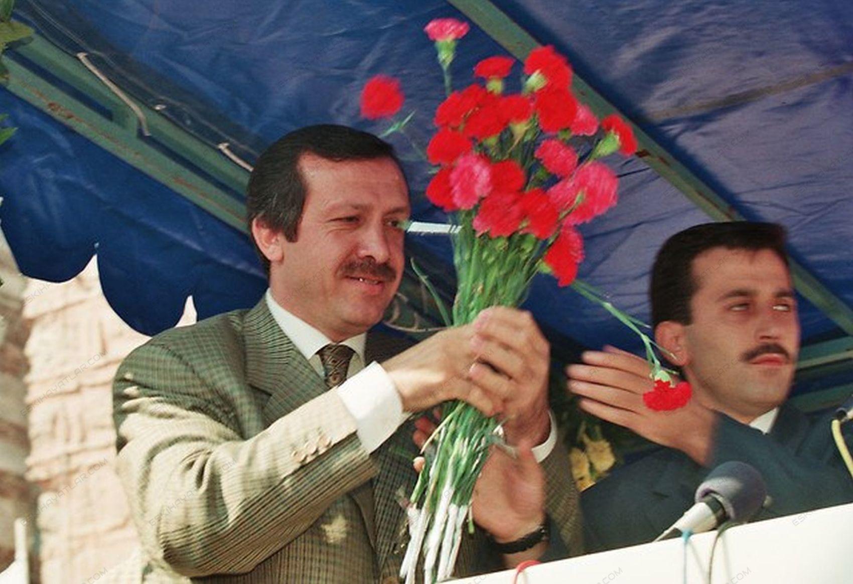 0355-turkiyenin-yeni-umudu-ak-parti-2002-tempo-dergisi-recep-tayyip-erdogan (14)