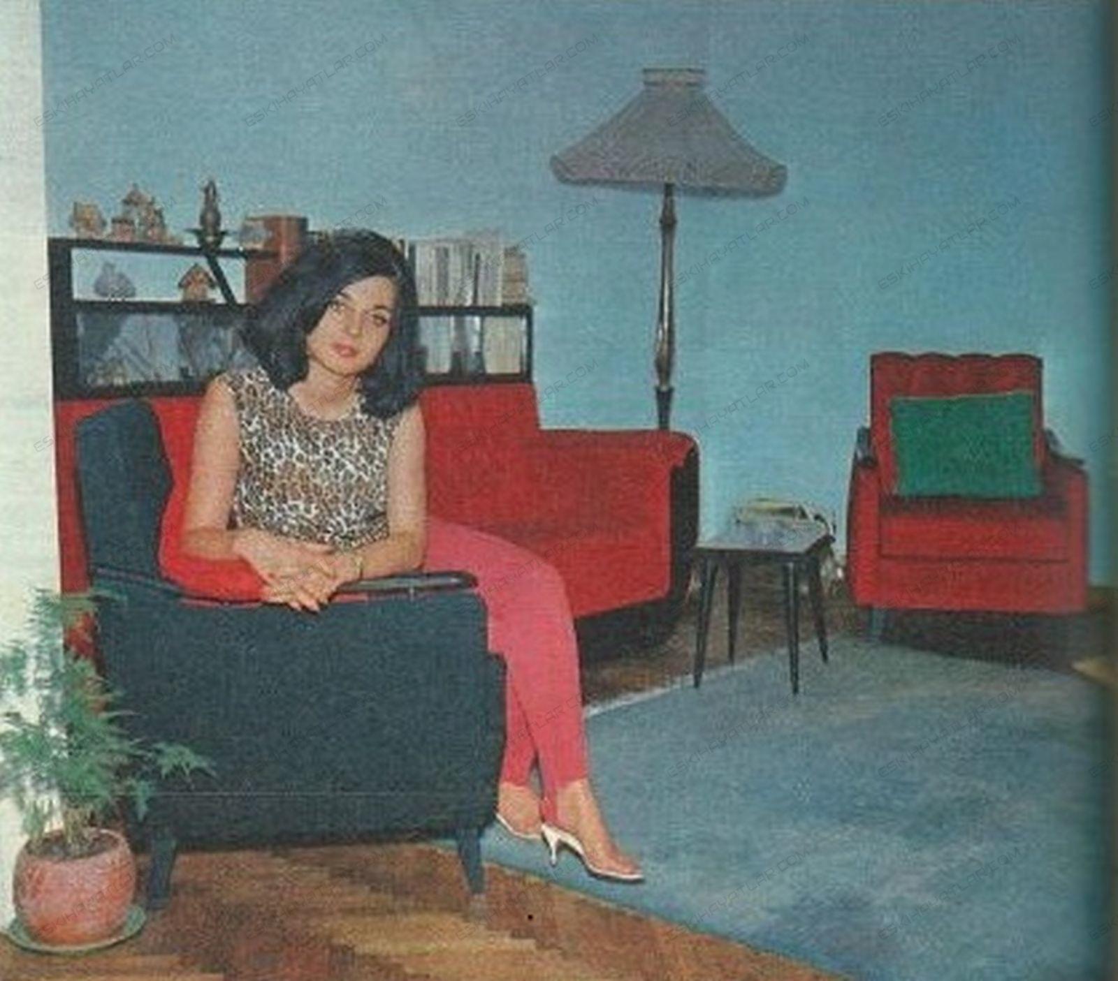 0410-leyla-sayar-roportaji-1964-ses-dergisi-artistler-ve-evleri (7)