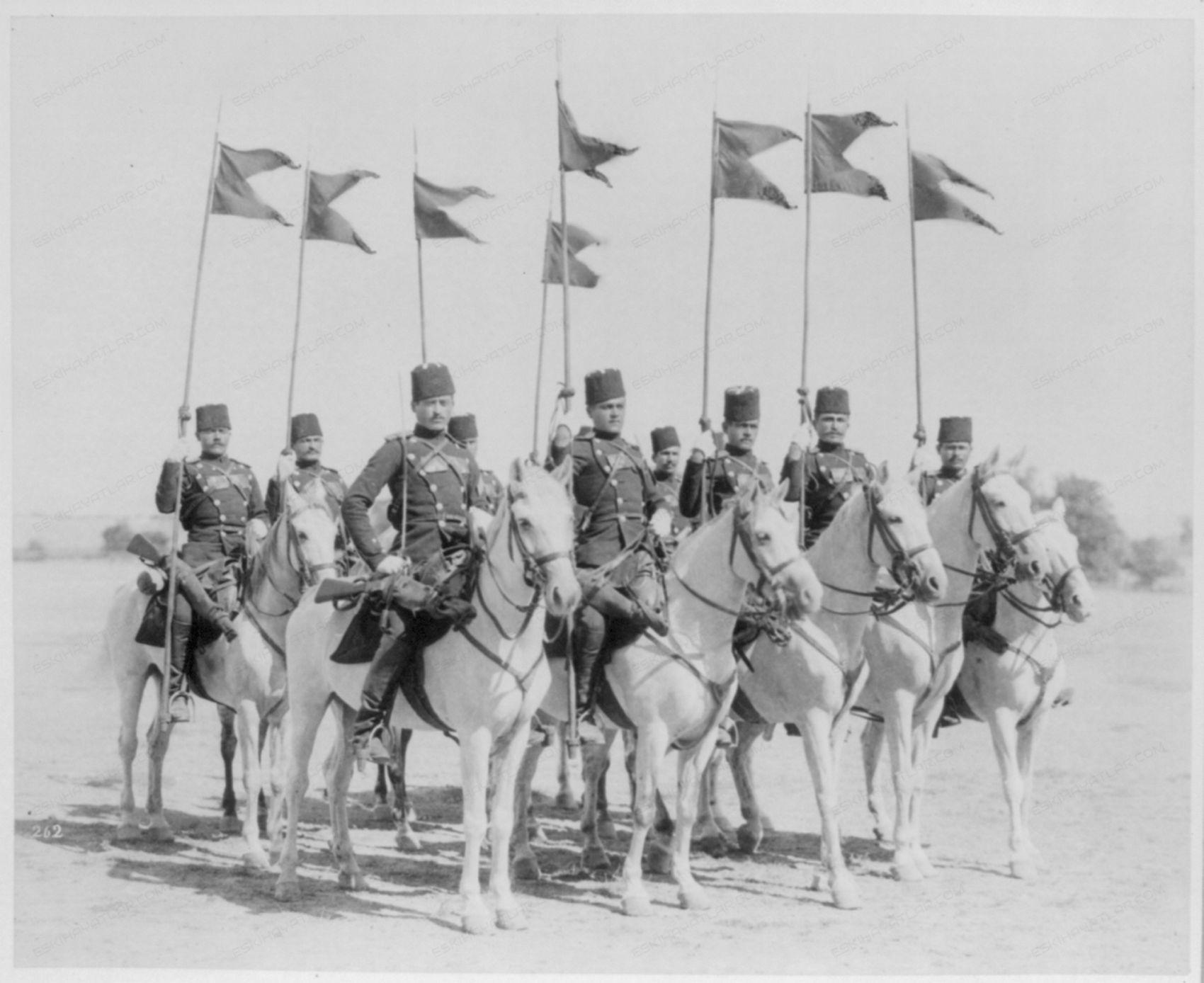 0369-sultan-abdulhamid-vefatinin-100-yili-yedi-kita-dergisi-abdulhamid-belgeseli (0)