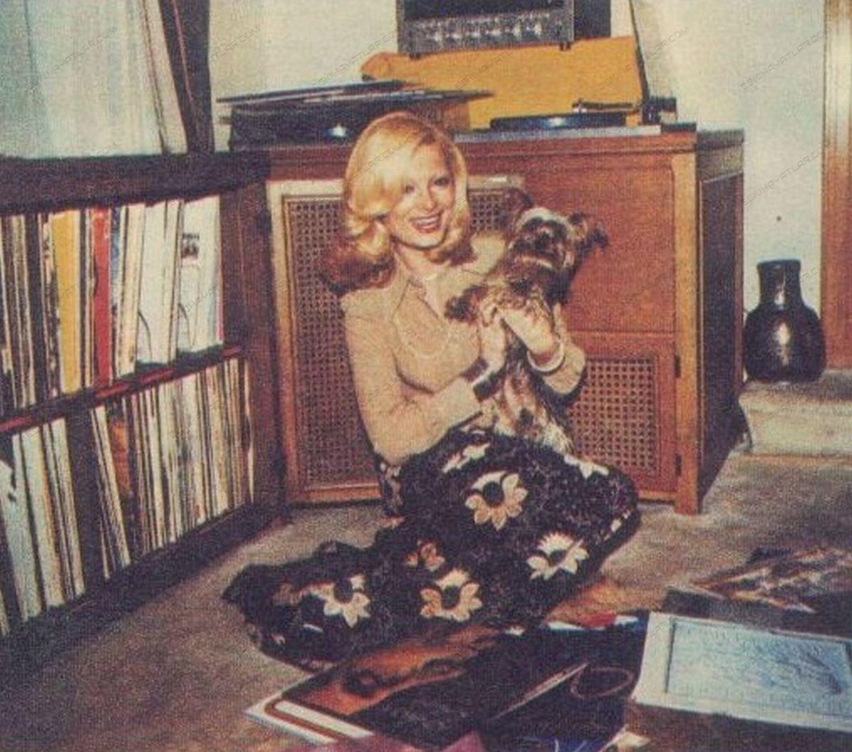 0074-yetmisli-yillarda-muzik-sistemleri-1974-hayat-dergisi-pikap-fotograflari-plak-gorselleri (2)