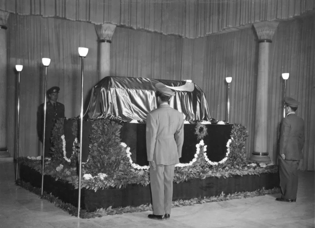 0257-mustafa-kemal-ataturk-anitkabir-toreni-10-kasim-1953-tarihli-gazete-arsivi (1)