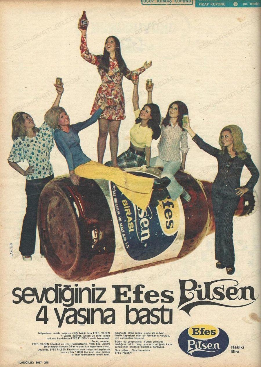 0174-efes-pilsen-4-yasinda-1972-yilinda-bira-reklamlari-efes-pilsen-tombul-sise-yetmisler-gencler-egleniyor